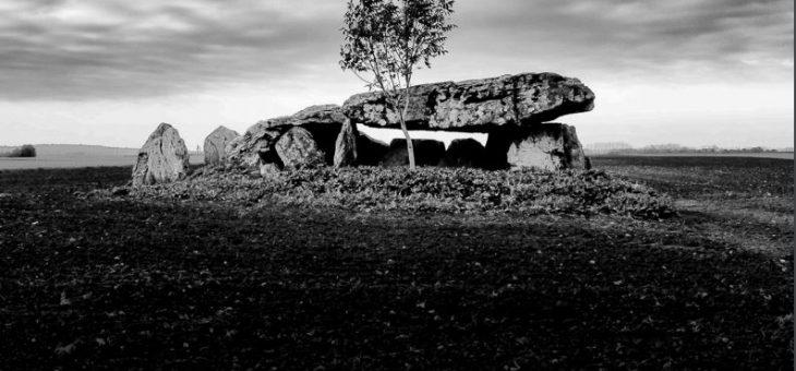 Exposition « Hommes debout et pierres levées » à Thouars (Deux-Sèvres)